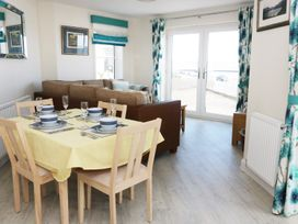 Ocean View Apartment - North Wales - 934495 - thumbnail photo 6