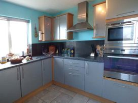 6 Mariners Court - Anglesey - 934989 - thumbnail photo 7