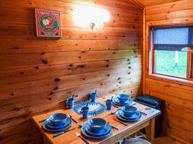 Cabin 6 - North Ireland - 935013 - thumbnail photo 5