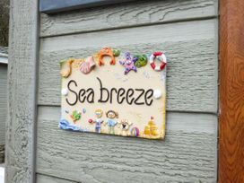 Sea Breeze - South Wales - 935043 - thumbnail photo 17