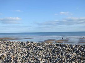 Sea Breeze - South Wales - 935043 - thumbnail photo 19