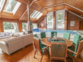 Branksome Wood House - Dorset - 935204 - thumbnail photo 48