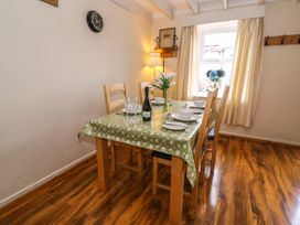 Cozy Cwtch Cottage - South Wales - 935330 - thumbnail photo 10