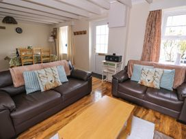 Cozy Cwtch Cottage - South Wales - 935330 - thumbnail photo 3