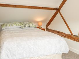 The Cow Byre, Heath Farm - Shropshire - 935353 - thumbnail photo 19
