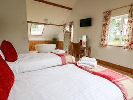 Lapwing Lodge - Mid Wales - 935473 - thumbnail photo 11