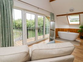 Lapwing Lodge - Mid Wales - 935473 - thumbnail photo 13