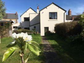 3 bedroom Cottage for rent in Watchet