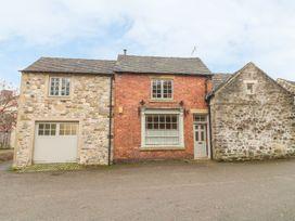 5 bedroom Cottage for rent in Ashbourne