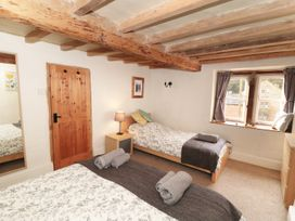 Holly Cottage - Peak District - 935996 - thumbnail photo 6