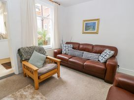 Harbour View Cottage - Whitby & North Yorkshire - 936101 - thumbnail photo 6