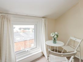Harbour View Cottage - Whitby & North Yorkshire - 936101 - thumbnail photo 18