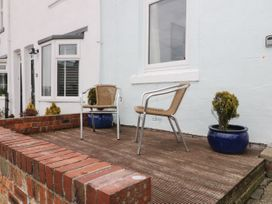 Harbour View Cottage - Whitby & North Yorkshire - 936101 - thumbnail photo 2