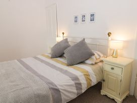 Harbour View Cottage - Whitby & North Yorkshire - 936101 - thumbnail photo 13