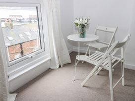 Harbour View Cottage - Whitby & North Yorkshire - 936101 - thumbnail photo 15