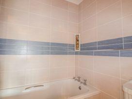 Apartment 1, Trearren - Cornwall - 936481 - thumbnail photo 12