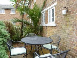 9 Swallow Court - Kent & Sussex - 936749 - thumbnail photo 3