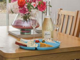 White Rose Apartment - Whitby & North Yorkshire - 936805 - thumbnail photo 6