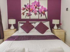 White Rose Apartment - Whitby & North Yorkshire - 936805 - thumbnail photo 11