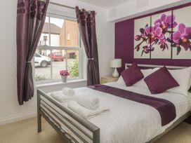 White Rose Apartment - Whitby & North Yorkshire - 936805 - thumbnail photo 12