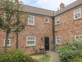White Rose Apartment - Whitby & North Yorkshire - 936805 - thumbnail photo 1
