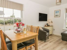 White Rose Apartment - Whitby & North Yorkshire - 936805 - thumbnail photo 2