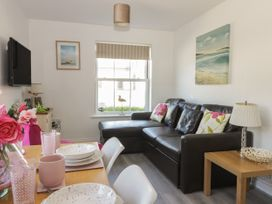 White Rose Apartment - Whitby & North Yorkshire - 936805 - thumbnail photo 2