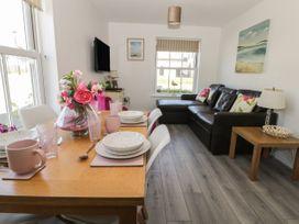 White Rose Apartment - Whitby & North Yorkshire - 936805 - thumbnail photo 3