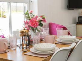White Rose Apartment - Whitby & North Yorkshire - 936805 - thumbnail photo 4