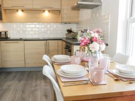White Rose Apartment - Whitby & North Yorkshire - 936805 - thumbnail photo 5