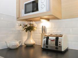 White Rose Apartment - Whitby & North Yorkshire - 936805 - thumbnail photo 8