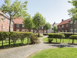 White Rose Apartment - Whitby & North Yorkshire - 936805 - thumbnail photo 13