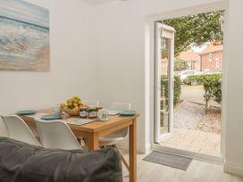 White Rose Cottage - Whitby & North Yorkshire - 936806 - thumbnail photo 9