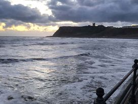 Queen's Cliff - Whitby & North Yorkshire - 936894 - thumbnail photo 24