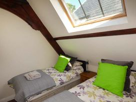 Sanctuary Cottage - Isle of Wight & Hampshire - 938079 - thumbnail photo 13