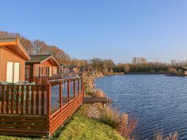 Shore Beats Work - Lake District - 938446 - thumbnail photo 3