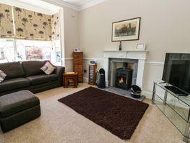 1 Roxby Terrace - Whitby & North Yorkshire - 938715 - thumbnail photo 3