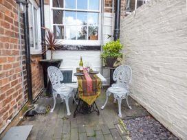 Courtyard Apartment - North Wales - 939042 - thumbnail photo 2