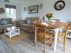 Lilipad Cottage - Whitby & North Yorkshire - 939242 - thumbnail photo 2