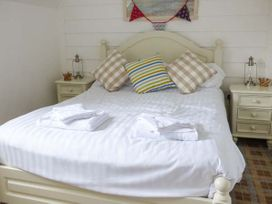 Lilipad Cottage - Whitby & North Yorkshire - 939242 - thumbnail photo 6