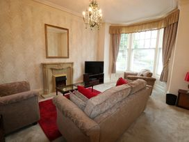 Garth House Apartment 1 - North Wales - 939440 - thumbnail photo 5