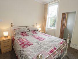 Garth House Apartment 2 - North Wales - 939441 - thumbnail photo 11