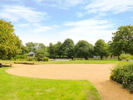 Modney Hall - Norfolk - 940402 - thumbnail photo 25