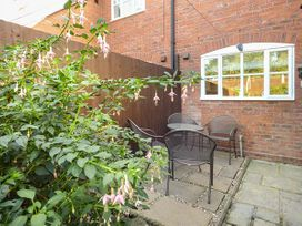 4 Aldelyme Court - Shropshire - 941583 - thumbnail photo 3