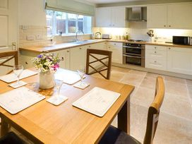 4 Aldelyme Court - Shropshire - 941583 - thumbnail photo 8