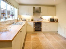 4 Aldelyme Court - Shropshire - 941583 - thumbnail photo 10