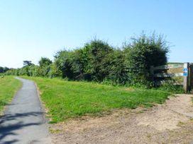 Flat 8 Hazelhurst - Isle of Wight & Hampshire - 941773 - thumbnail photo 3