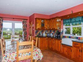 Carrigaholt Cottage - County Clare - 941776 - thumbnail photo 6