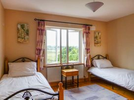Carrigaholt Cottage - County Clare - 941776 - thumbnail photo 10