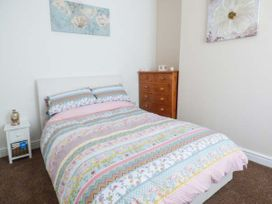 Flat 1 - Whitby & North Yorkshire - 942056 - thumbnail photo 6